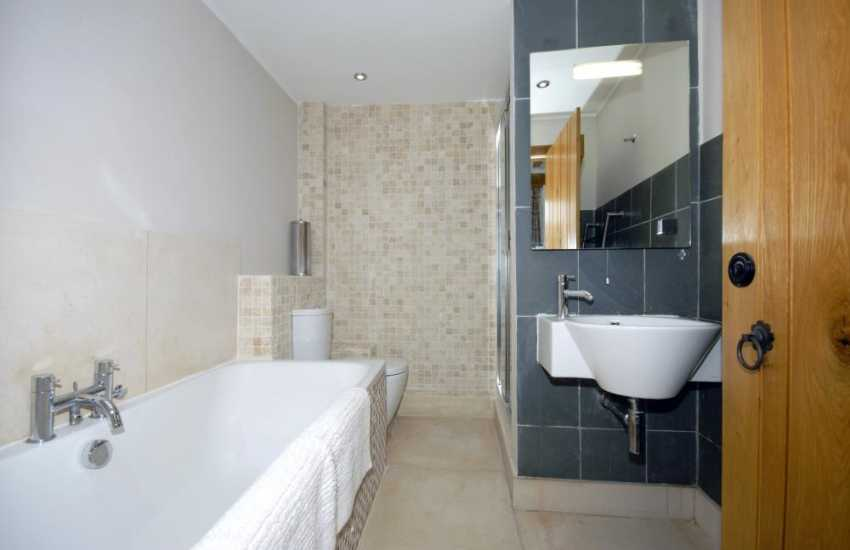 Pembrokeshire holiday cottage - ground floor bathroom with double shower
