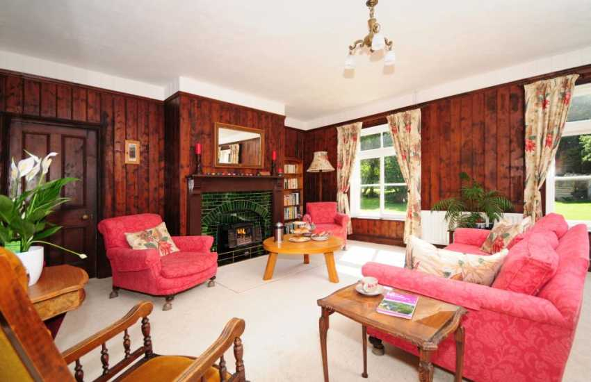 Llandinum holiday cottage for large families - lounge