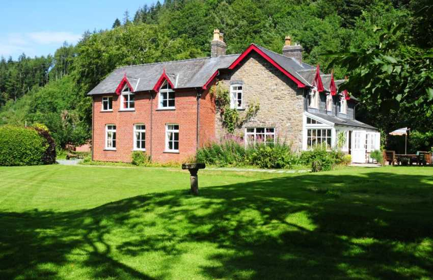 Holiday home Llanidloes large property