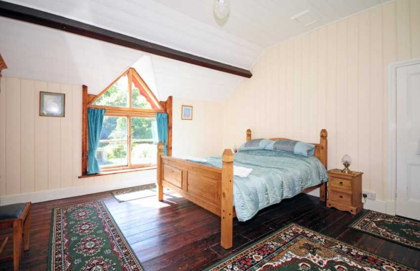 Pet friendly holiday house Mid Wales - bedroom