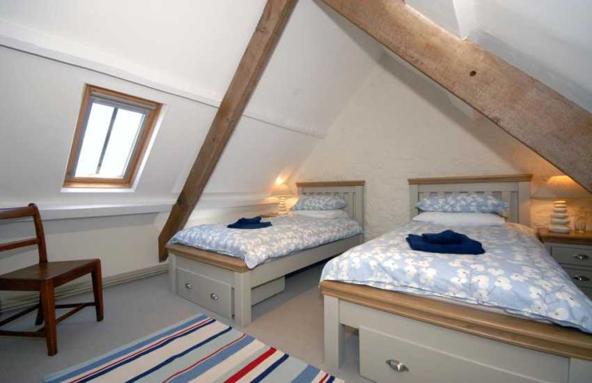 Dale holiday cottage sleeping 6 - twin with sea views