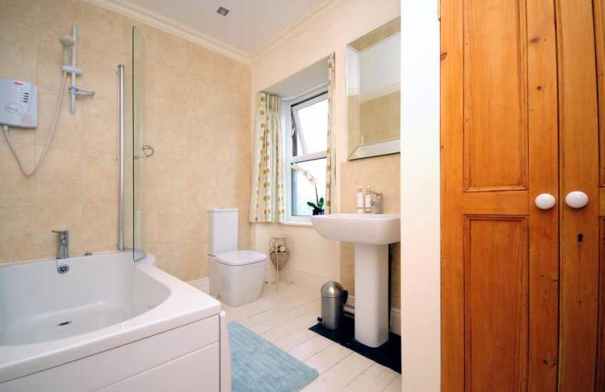 Morfa Nefyn holiday house - bathroom
