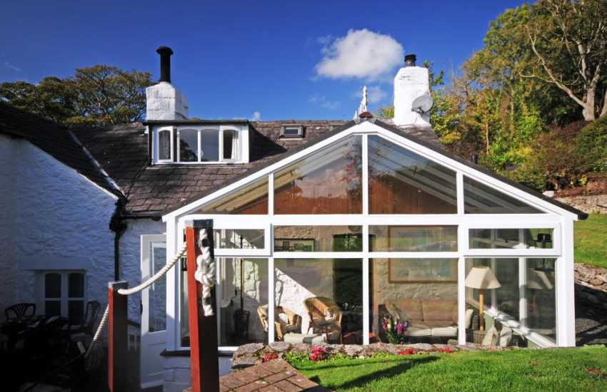 Rural holiday cottage Anglesey - ext