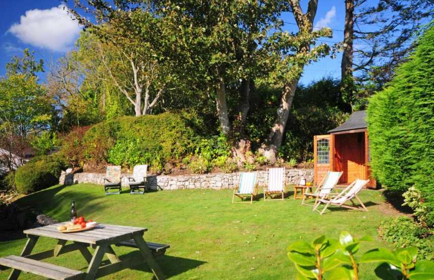 Pet friendly snowdonia cottage - garden