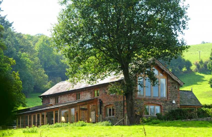 Luxury holiday cottage Wales - exterior
