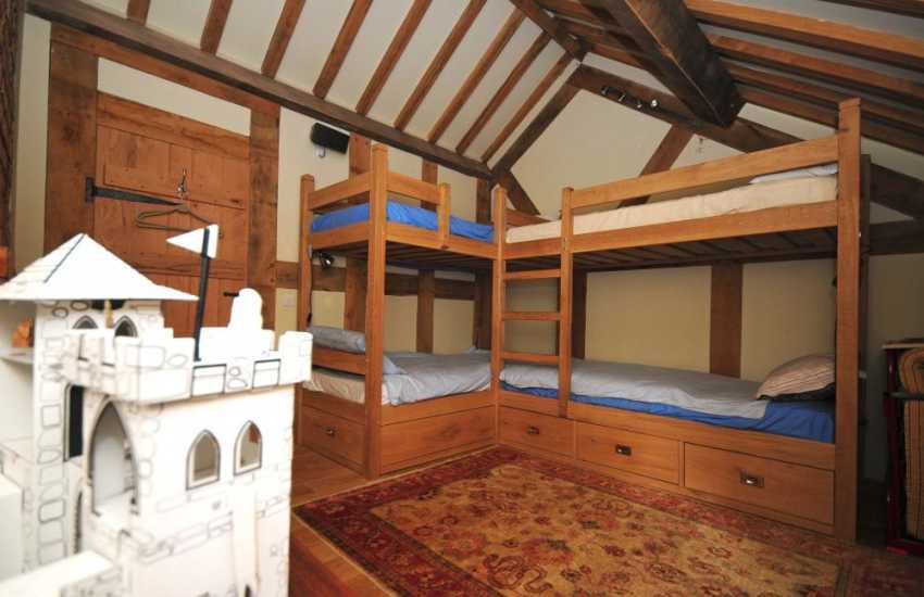 Welsh/shropshire border holiday cottage - bedroom