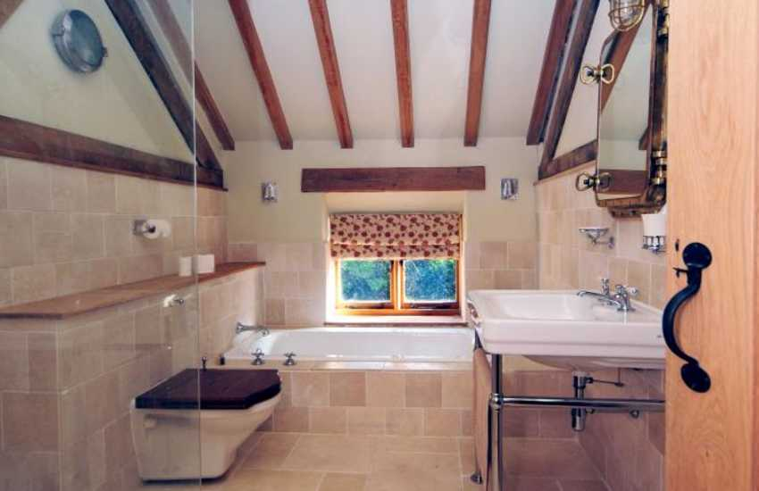 Kerry Ridgeway holiday cottage - bathroom