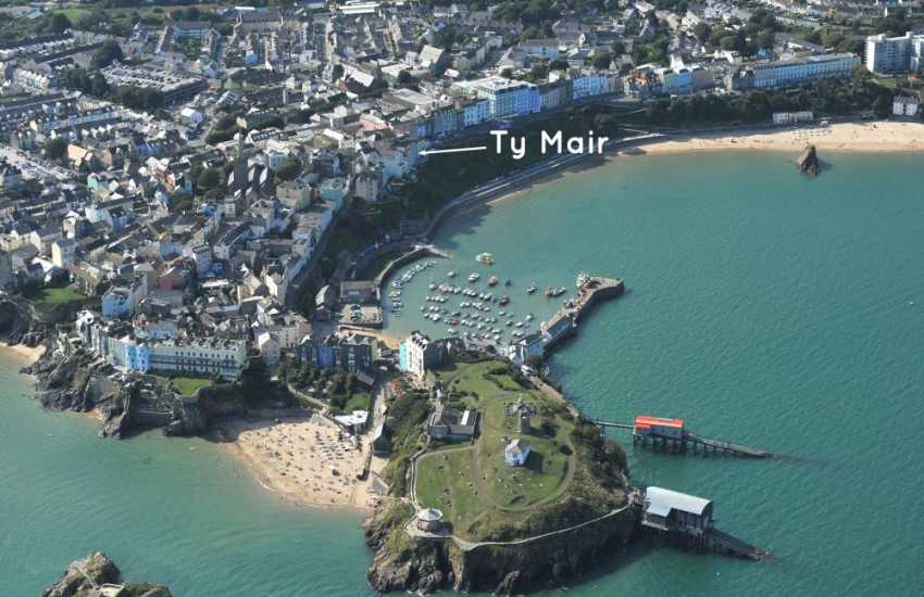 Tenby holiday home overlooking the North Beach and harbour
