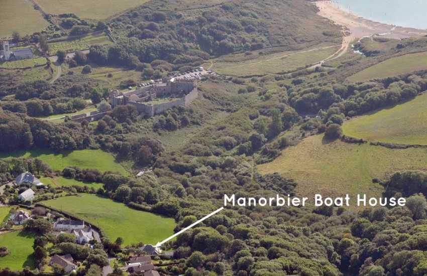 Manorbier holiday cottage overlooking the castle and beach