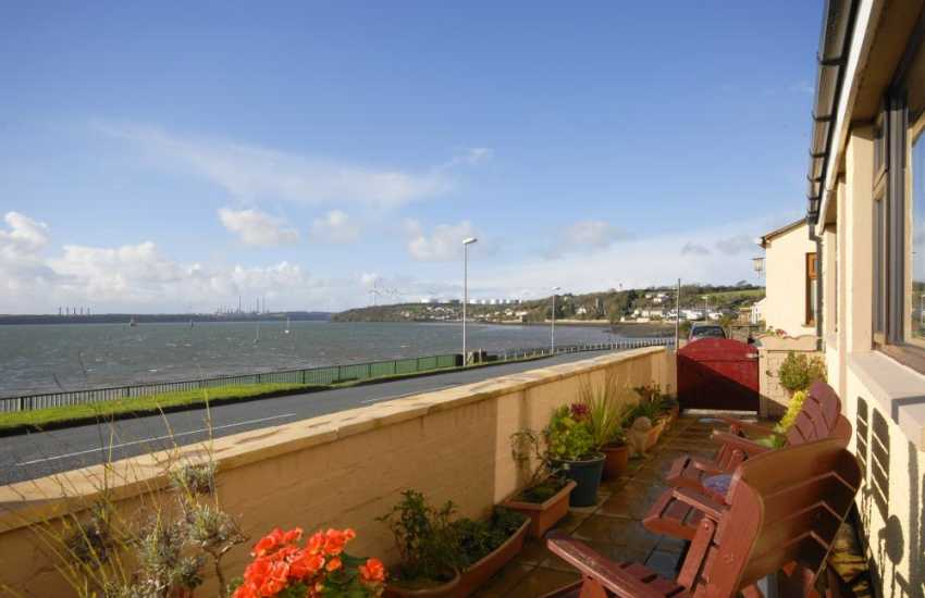 Pembrokeshire holiday home overlooking the Haven Waterway - dogs welcome