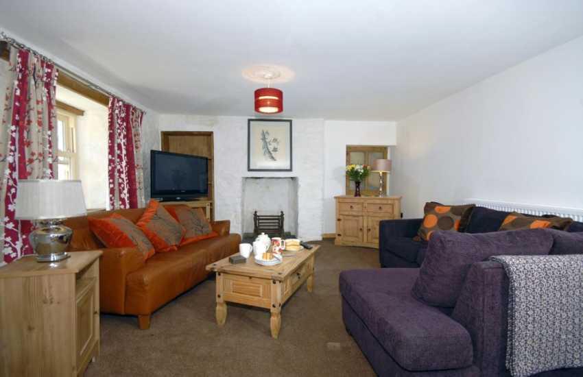 Pembrokeshire Nolton Haven restored farmhouse - cosy lounge