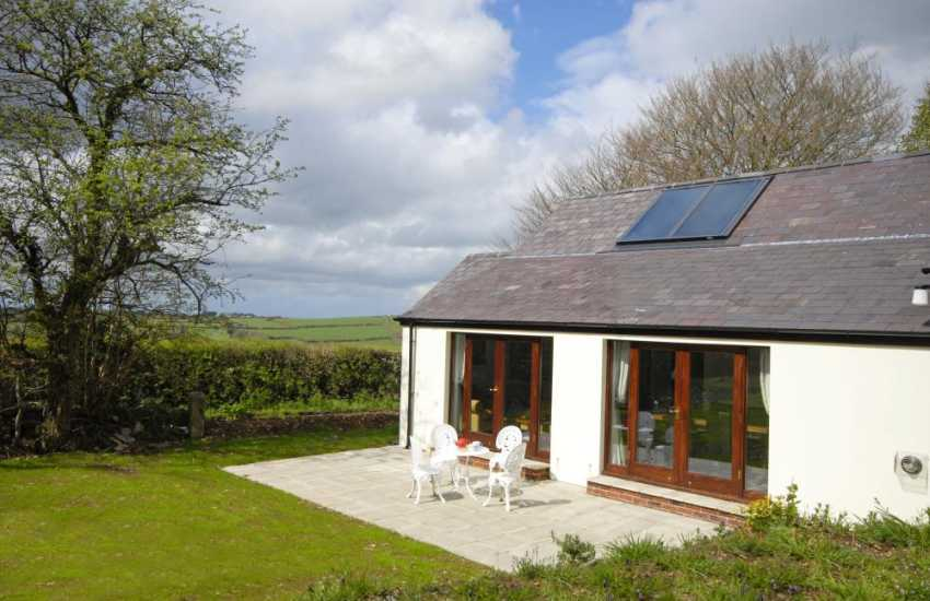 Rural retreat Teifi River Valley, Carmarthenshire - enclosed gardens and pets welcome