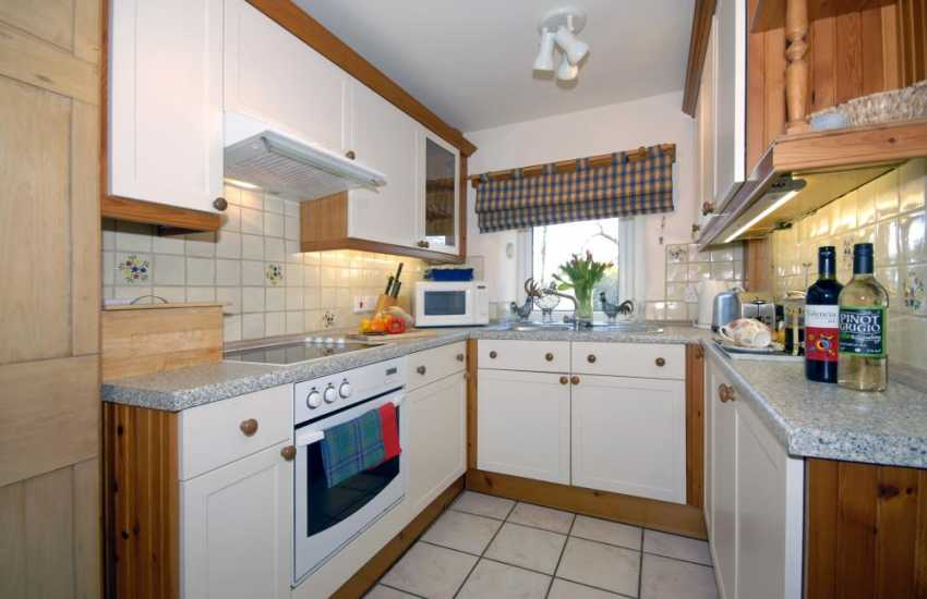 Pembrokeshire Coast National Park self-catering holiday cottage - kitchen