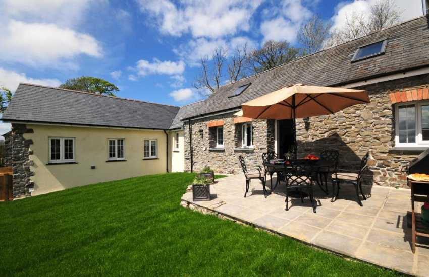 Devils Bridge cottage - ext
