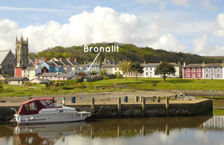Aberaeron holiday home just a few minutes walk from the harbour