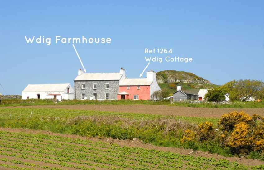 Georgian Welsh farmhouse a short walk from Whitesands Bay