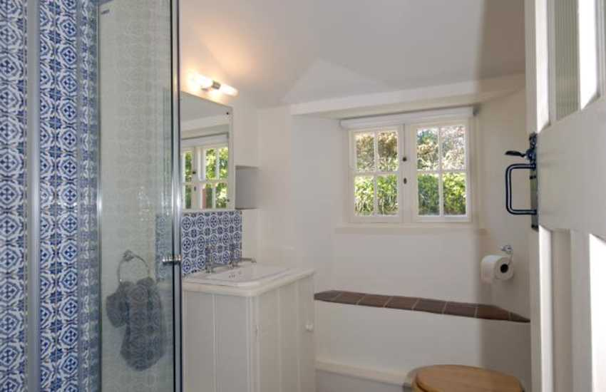 St Davids holiday home - ground floor shower