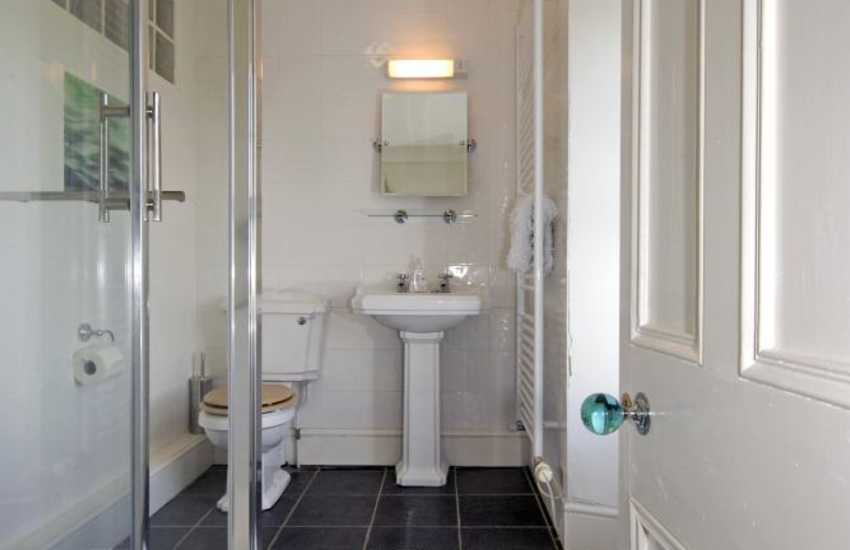 Nolton cottage Pembrokeshire - double en-suite shower