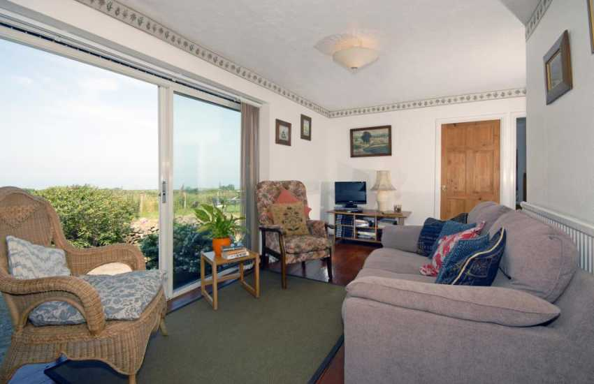 Newport self-catering home with sea views over Newport Bay - sitting room