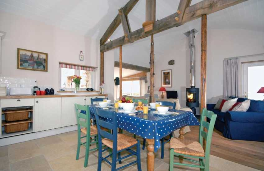 Self-catering converted barn North Pembrokeshire coast - open plan kitchen/diner/lounge