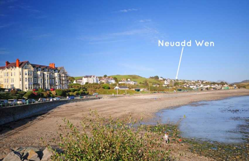 Criccieth holiday cottage by the sea