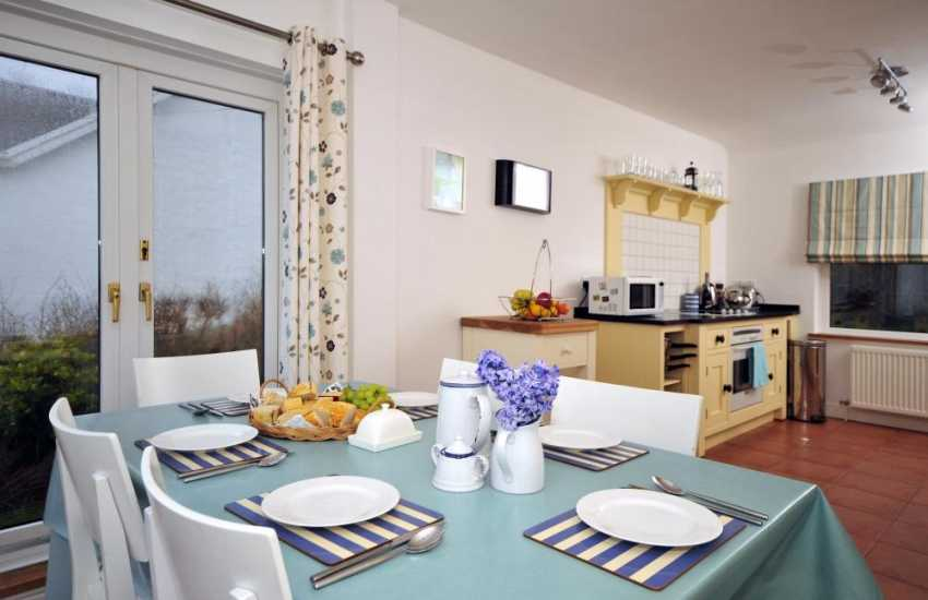 Holiday cottage with sea views Wales - kitchen