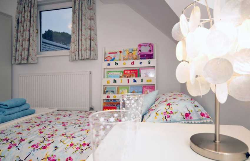 North Wales holiday cottage - twin bedroom