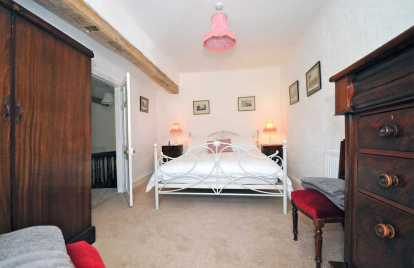 Myddfai holiday cottage - bedroom