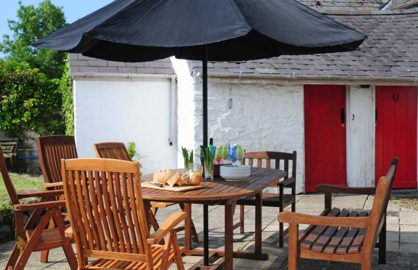 Self catering cottage Carmarthenshire Wales - patio