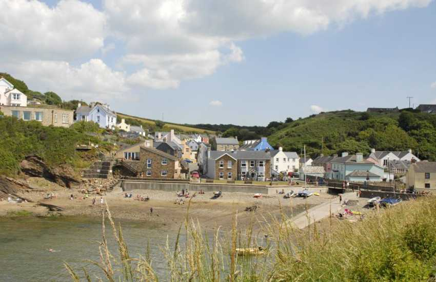 Little Haven - a picturesque seaside village with 3 excellent pubs serving food and drink