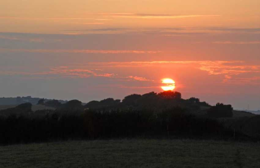 Enjoy spectacular sunsets from this gem of a little Pembrokeshire holiday cottage