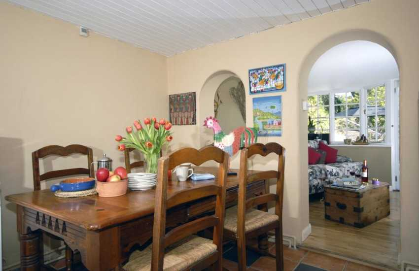 Cottage in Fishguard - dining area