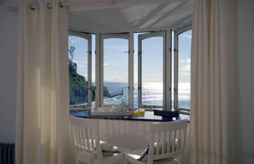 Tenby Pembrokeshire holiday house by the sea -  luxury master suite