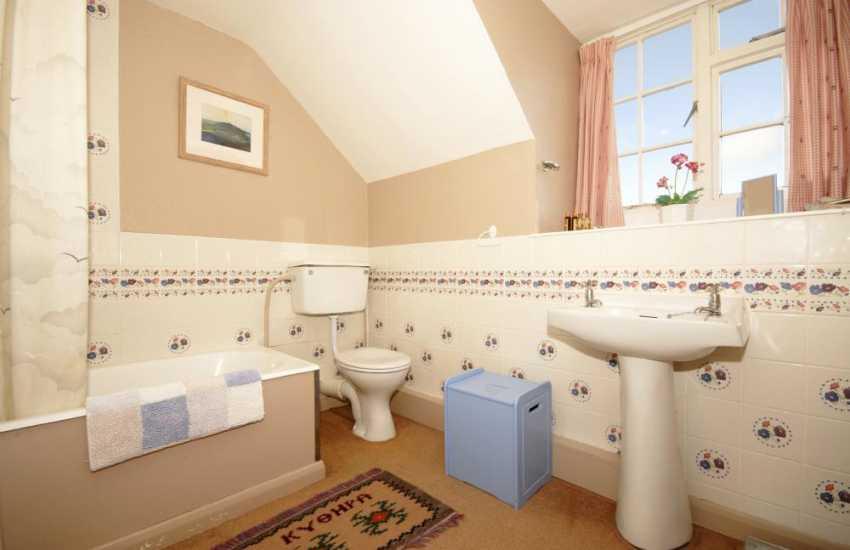 Solva holiday home - bathroom