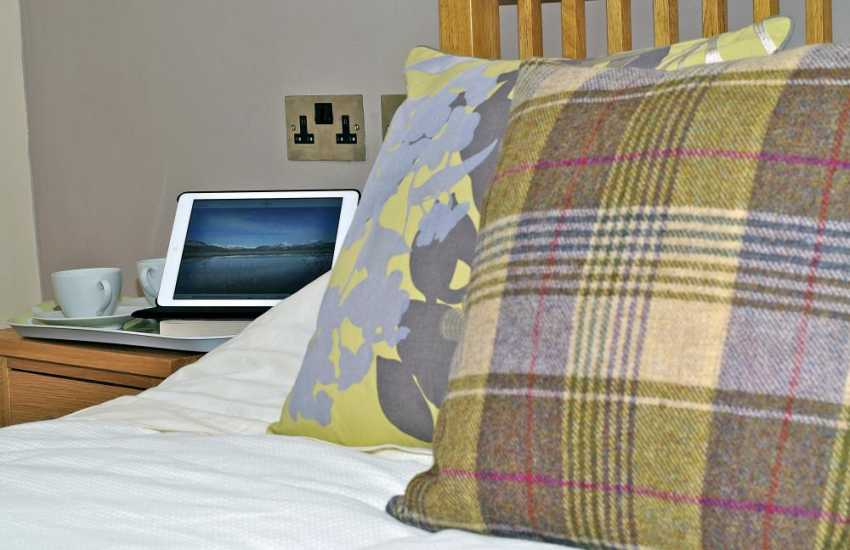 Anglesey holiday apartment - bedroom