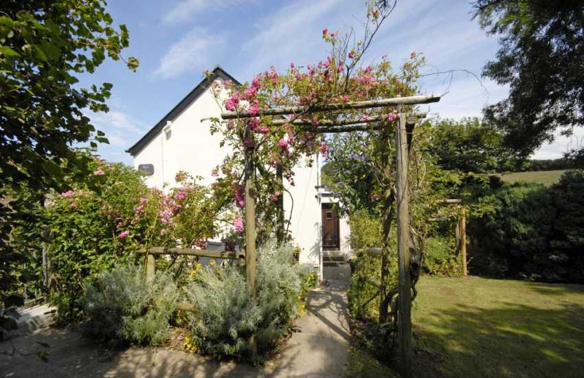 Pembrokeshire Coast National Park holiday cottage - gardens