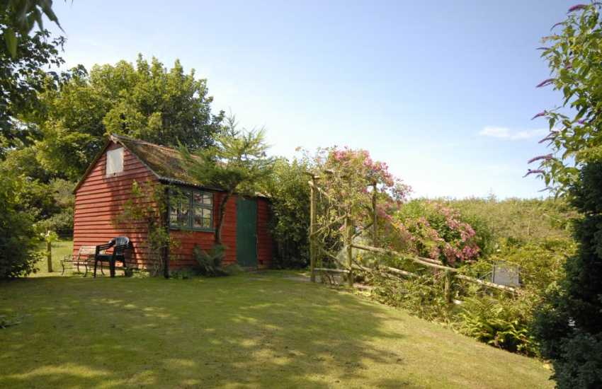 Cottage near Solva with gardens - dogs welcome