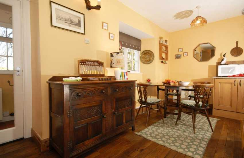 Solva self-catering holiday cottage - kitchen area