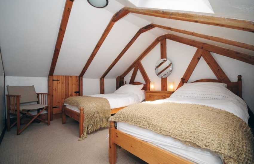 Holiday cottage Beaumaris - twin bedroom