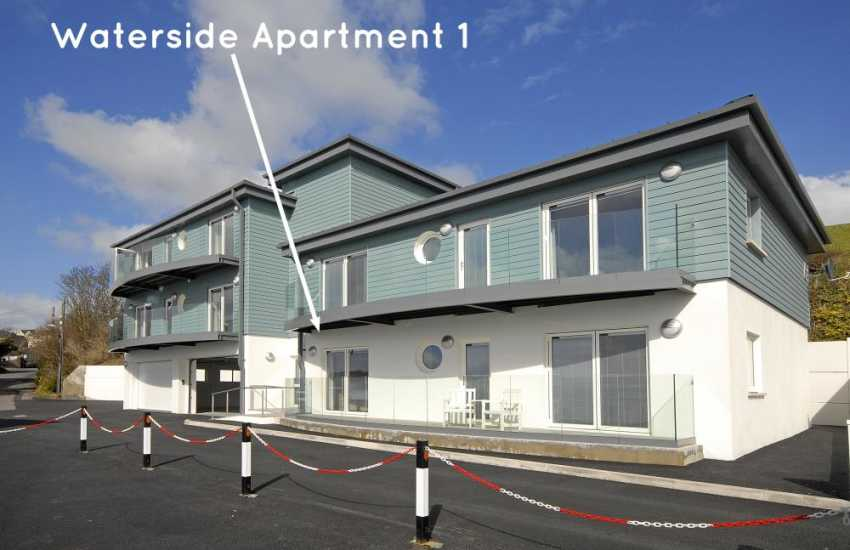 Haven Waterway Pembrokeshire - ground floor apartment with deck and river views - sorry no pets