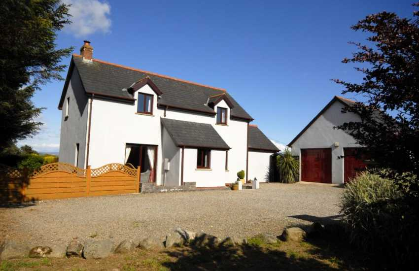 Holiday cottage for rent near St Davids - pets welcome