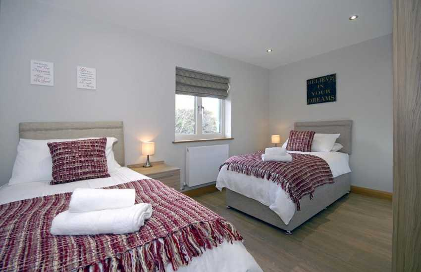 Luxury Pembrokeshire waterside apartment sleeps 4 - twin bedroom