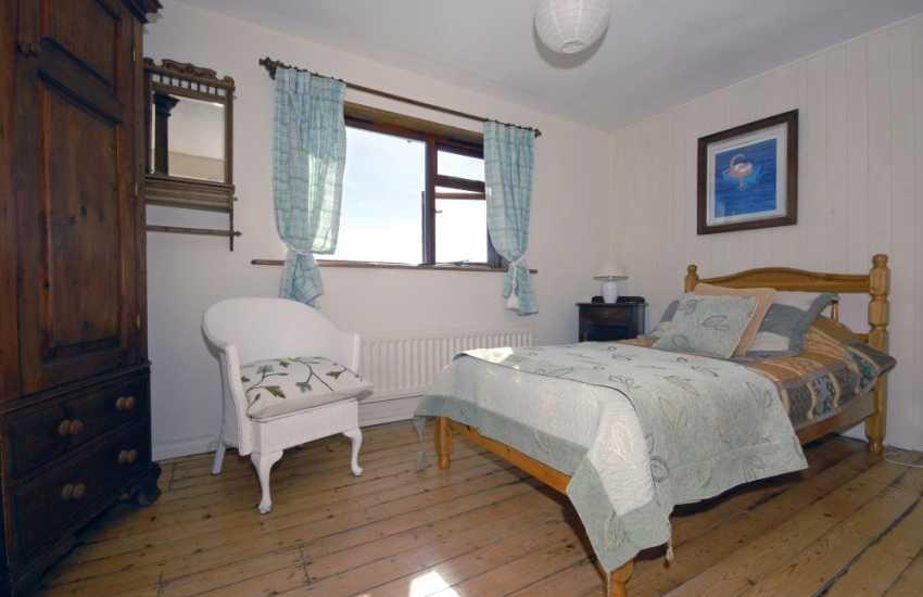 Pembrokeshire holiday cottage sleeping 5 - single
