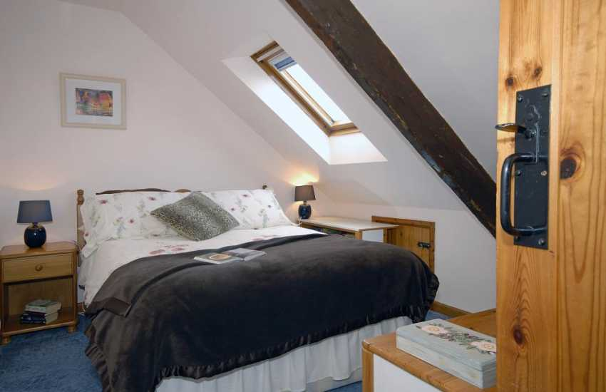 Pembrokeshire cottage sleeping 8 - 2nd floor double