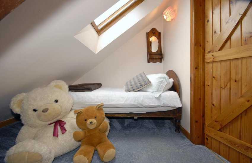 St Davids coastal holiday cottage  - 2nd floor childs single