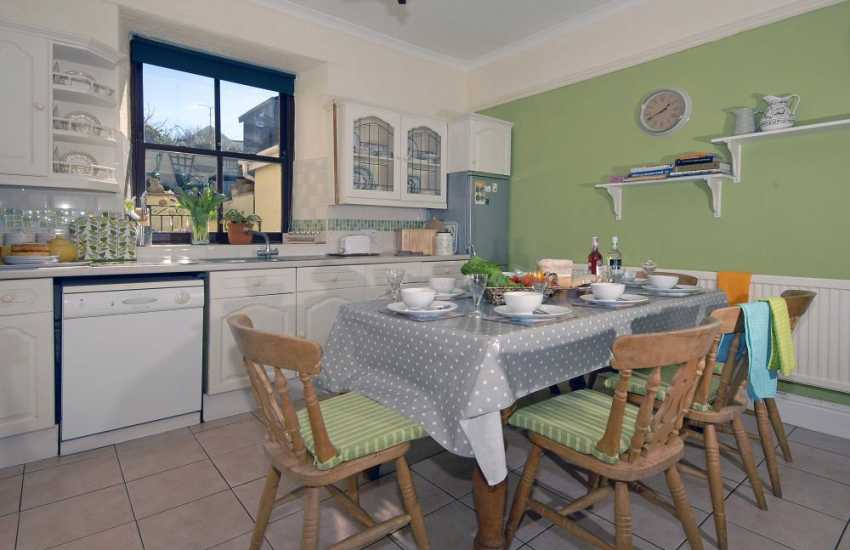 Self-catering town house St Davids - open plan kitchen/diner