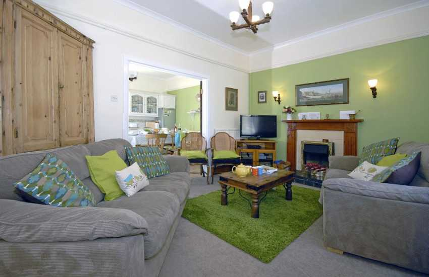 St Davids spacious holiday home open plan ground floor kitchen/diner/ sitting room