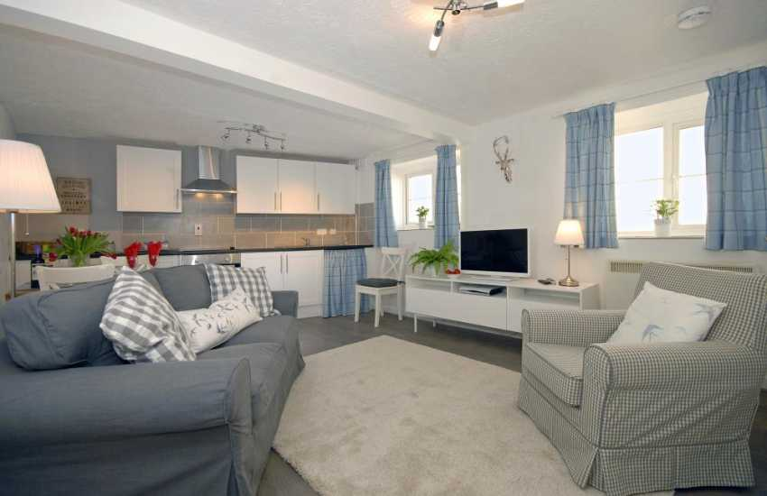 South Pembrokeshire holiday cottage for two - open plan kitchen/dining/living room