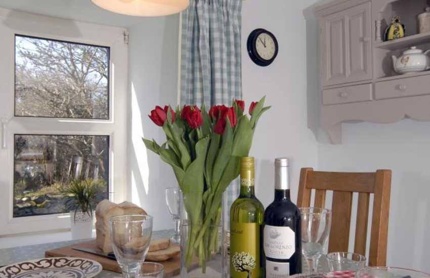 Pretty Pembrokeshire cottage for holidays with friends and family