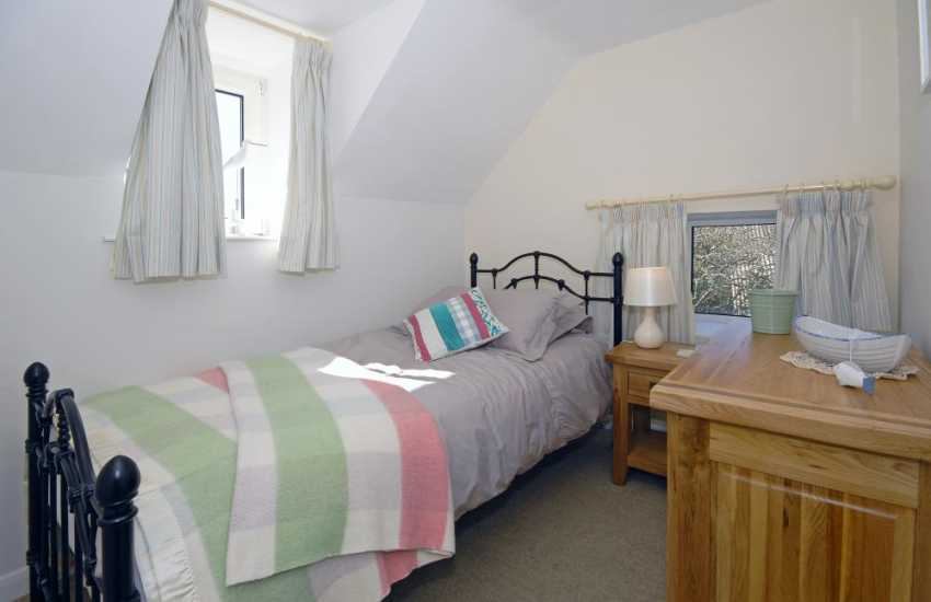 St Davids Peninsula self catering cottage for 4 people - single